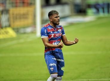 Ronald comemora gol marcado pelo Fortaleza diante do São Paulo pela Copa do Brasil.