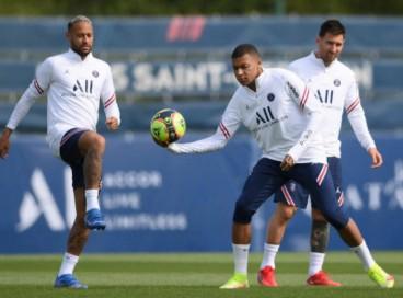 Com Neymar, Messi e Mbappe, o PSG enfrenta o Lyon pelo Campeonato Francês; confira onde assistir ao vivo ao jogo, horário, provável escalação e demais informações