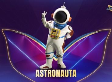Hoje, 21 de setembro (21/09) jurados tentam descobrir quem é o Astronauta no The Masked Singer Brasil. Vote na nossa enquete e veja os palpites