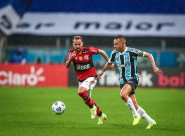 Entre os jogos de hoje, domingo, 19 de setembro, Flamengo e Grêmio se enfrentam pela Série A do Brasileirão. Veja onde assistir ao vivo à transmissão e qual horário do jogo.