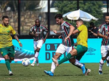 Entre os jogos de hoje, segunda, 20 de setembro, Cuiabá e Fluminense se enfrentam pela Série A do Brasileirão. Veja onde assistir ao vivo à transmissão e qual horário dos jogos do dia.