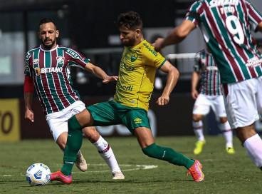 Entre os jogos de hoje, segunda, 20 de setembro, Cuiabá e Fluminense se enfrentam pela Série A do Brasileirão. Veja onde assistir ao vivo à transmissão e qual horário do jogo.