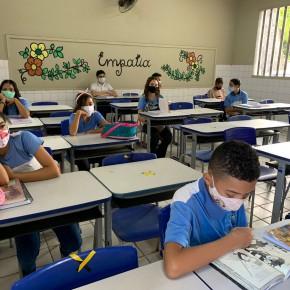 Fortaleza monitora mais de 3 mil alunos por causa de sintomas da Covid-19