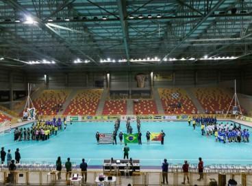 Campeonato Brasileiro Júnior de handebol feminino é disputado em Sorocaba, interior de São Paulo; árbitros foram afastados após acusações de assédio e preconceito; entenda