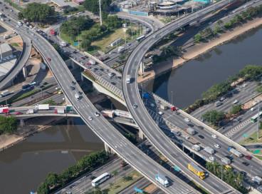 Vista aerea da cidade de São Paulo, viaduto, são paulo, cidade, carros