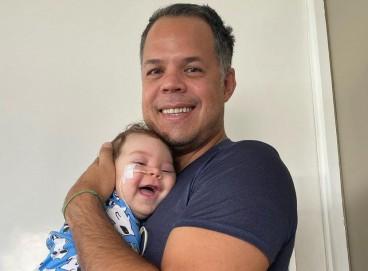 Família lança campanha para arrecadar dinheiro e comprar remédio mais caro do mundo para o filho.