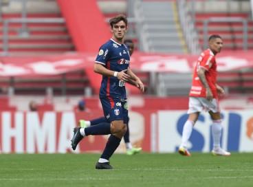 Atacante Valentín Depietri no jogo Internacional x Fortaleza, no Beira-Rio, em Porto Alegre, pelo Campeonato Brasileiro Série A