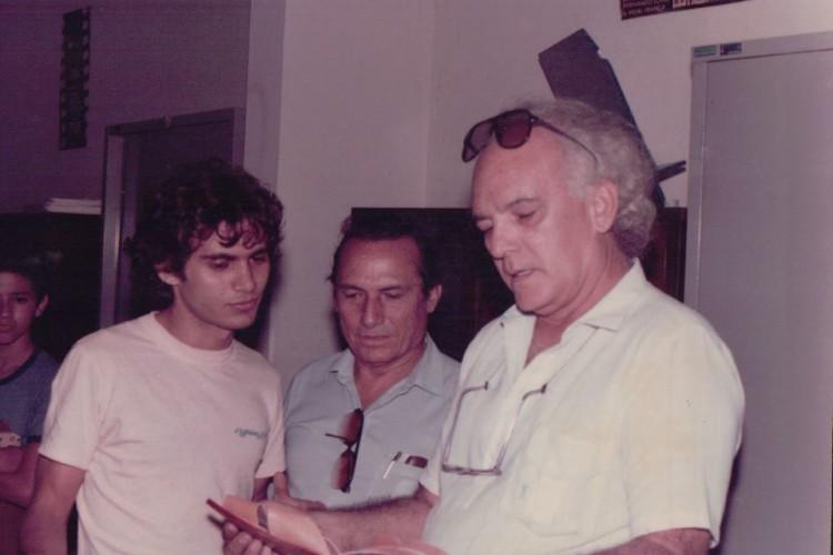 Joe Pimentel e o pai, José de Almeida Pimentel, ao lado de Eusélio Oliveira(Foto: Arquivo pessoal)