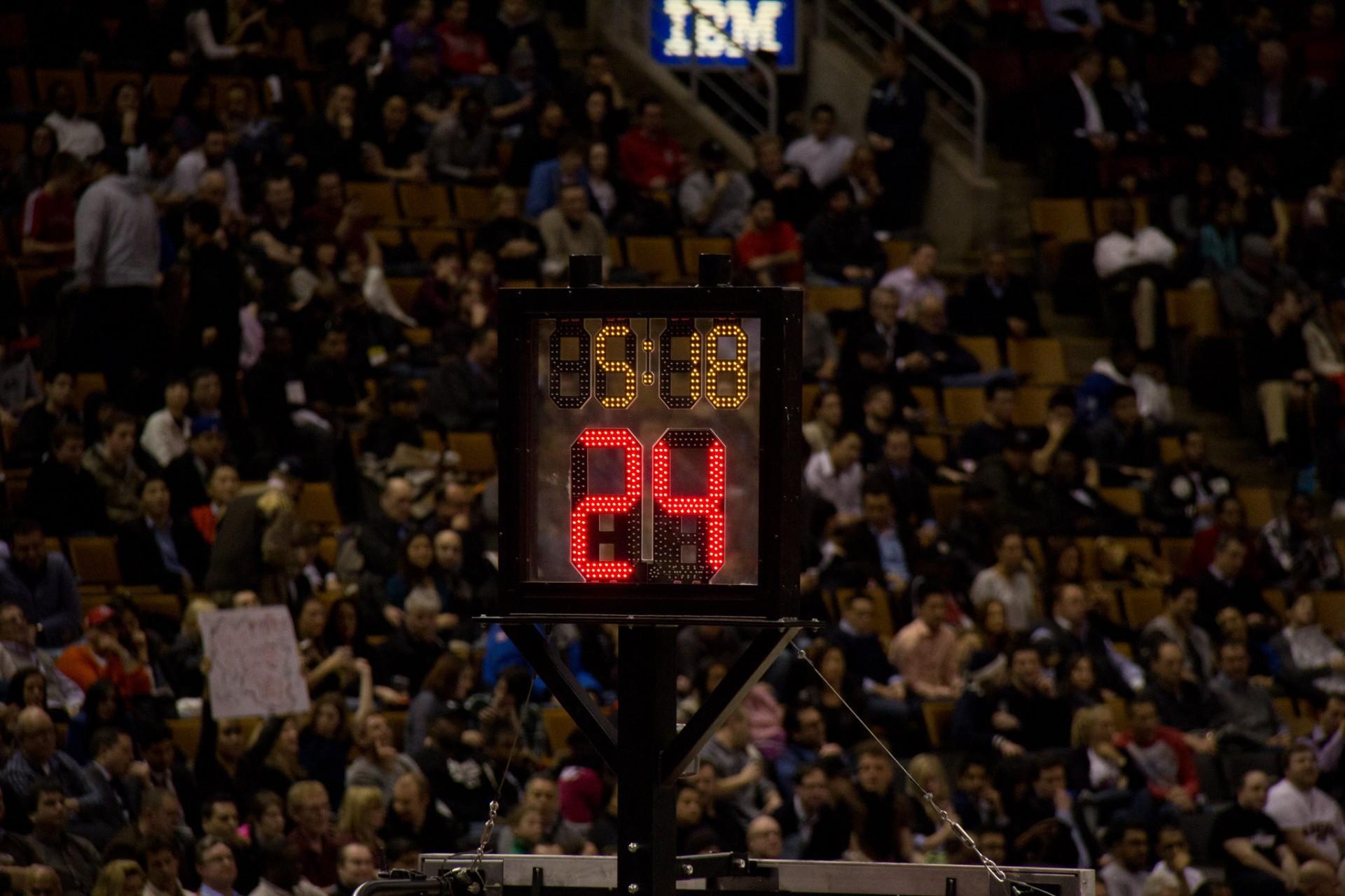 Como o cronômetro de 24 segundos salvou o basquete