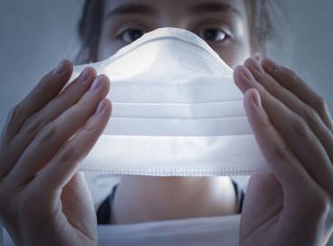 O decreto publicado ontem permitia que moradores frequentassem espaços públicos da cidade sem máscara, desde que os locais fossem abertos e sem aglomerações