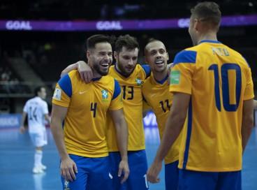Brasil vence o Japão por 4 a 2 e avança para as quartas de final da Copa do Mundo de Futsal 2021.