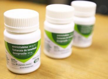 Na PrEP, dois medicamentos (tenofovir + entricitabina) bloqueiam caminhos que o HIV usa para infectar o organismo. Veja como e onde encontrar as profilaxias contra o HIV em Fortaleza