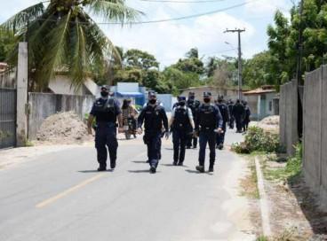 Agentes de segurança dialogaram com moradores do bairro Camará