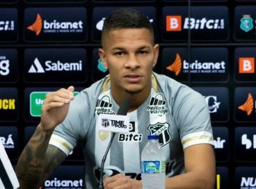 Igor Inocêncio foi apresentado como atleta do Ceará nesta segunda-feira, 27