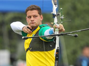 Marcus D'Almeida é vice-campeão do Mundial de tiro com arco