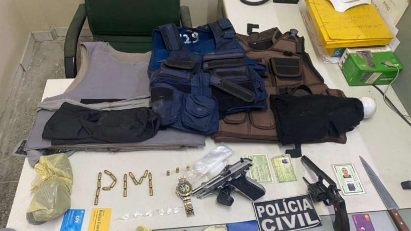 Material apreendido pela Polícia durante buscas sobre a chacina ocorrida nesta segunda-feira, 4, em Guaraciaba do Norte (foto: Ascom/SSPDS)