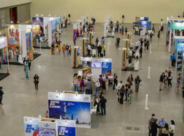 Eventos corporativos poderão contar com 600 pessoas em ambientes fechados. Exceção fica para eventos-teste que podem contar com público maior, mediante autorização da Sesa-CE