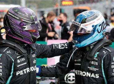 No treino classificatória, a Mercedes fez dobradinha, mas Hamilton terá que largar atrás porque trocou o motor