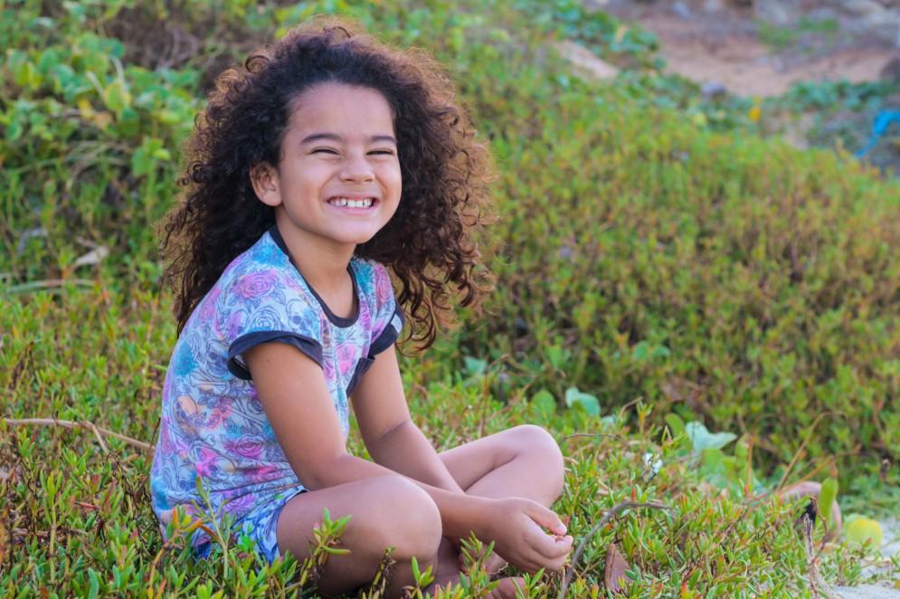 Klaus Sant'Anna, 7, ambientalista, vegano e com uma relação muito forte com a natureza desde os primeiros anos de vida.(Foto: BÁRBARA MOIRA/ O POVO)