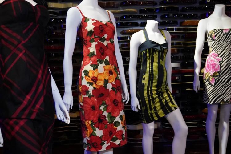 Vestidos de Amy Winehouse entram em leilão