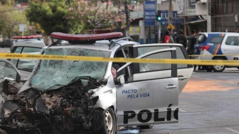 A colisão aconteceu em Paulista, na Região Metropolitana do Recife(foto: BRUNO CAMPOS/JC IMAGEM)