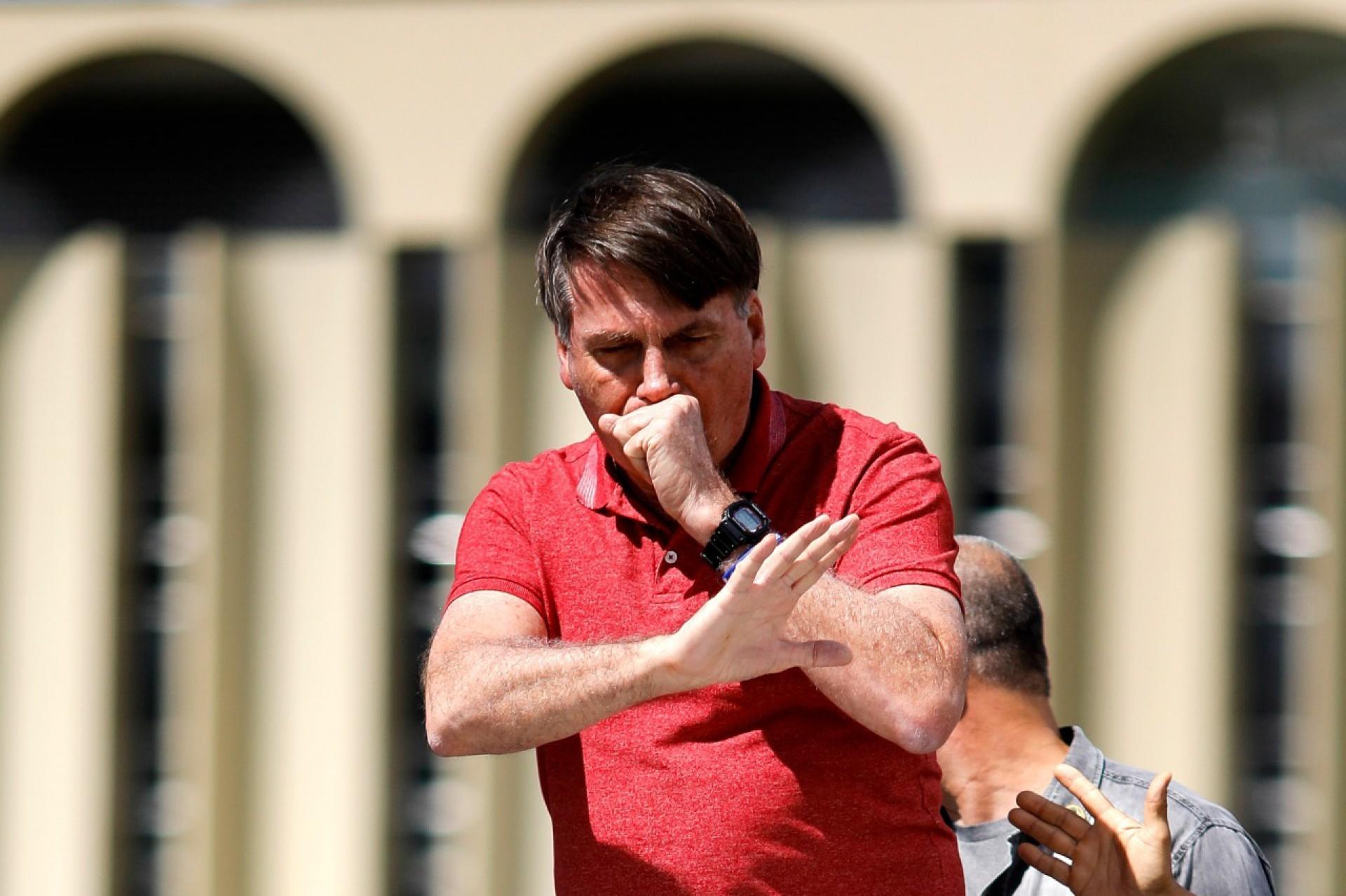 Bolsonaro afirmou estar imune à Covid-19 por já ter contraído a doença; fala do presidente não condiz com a realidade (Foto: Sergio Lima/AFP)