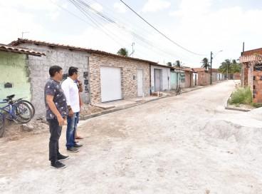 Pavimentação será realizada em vias de diferentes bairros