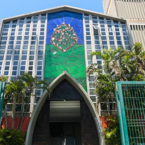 Fiéis comemoram liberação de 100% de público nas igrejas