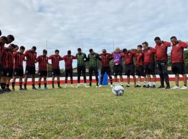 Elenco do Atlético-CE reunido no centro de treinamento