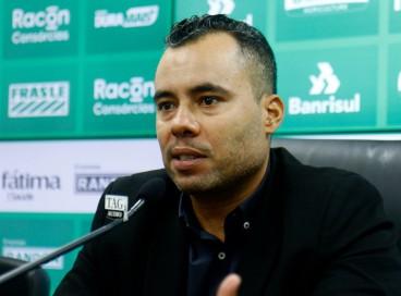 Jair Ventura é apresentado como novo técnico no Juventude