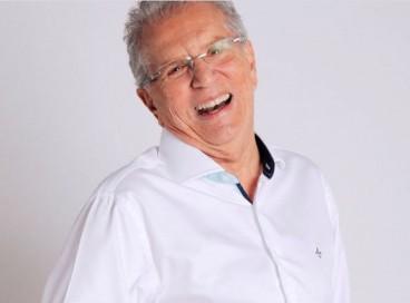 O humorista Carlos Alberto de Nóbrega, de 85 anos, foi internado nesta terça-feira, 19. Não há previsão de alta do carioca