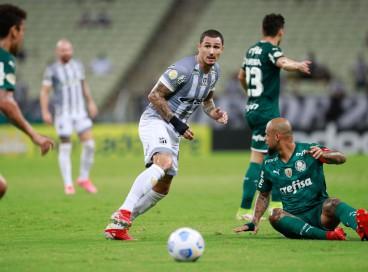 Vina finaliza na partida entre Ceará e Palmeiras