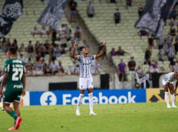 Cléber comemora gol marcado na derrota do Ceará por 2 a 1 diante do Palmeiras