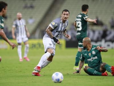 O Ceará foi derrotado por 2 a 1 pelo Palmeiras, na Arena Castelão
