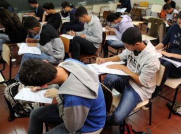 Enem 2020 teve recorde de queda nas redações com nota mil (1000); no Brasil inteiro, apenas 28 candidatos chegaram na nota máxima