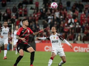 Flamengo e Athletico-PR se enfrentam hoje, 27, pela Copa do Brasil 2021. Veja onde assistir ao vivo à transmissão e qual horário do jogo.