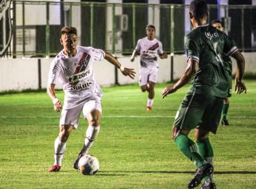 Floresta e Ferroviário se enfrentaram no estádio Carlos de Alencar Pinto, em jogo válido pela terceira fase das Eliminatórias da Copa do Nordeste 2022
