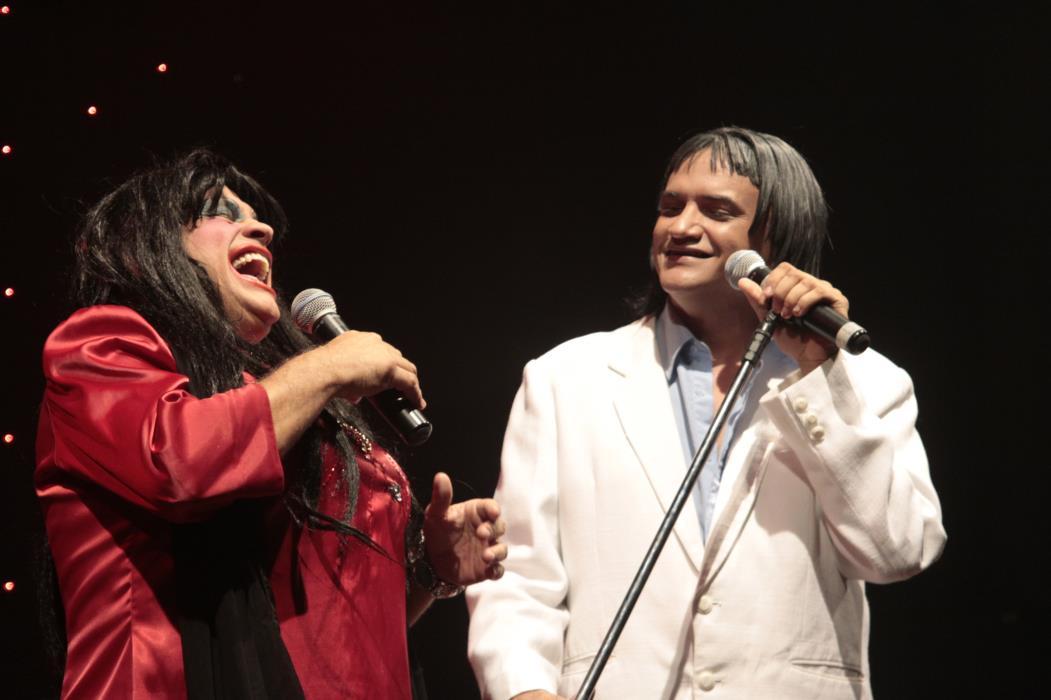 Superedson e Ruanito em espetáculo no Teatro do Humor, em janeiro de 2011