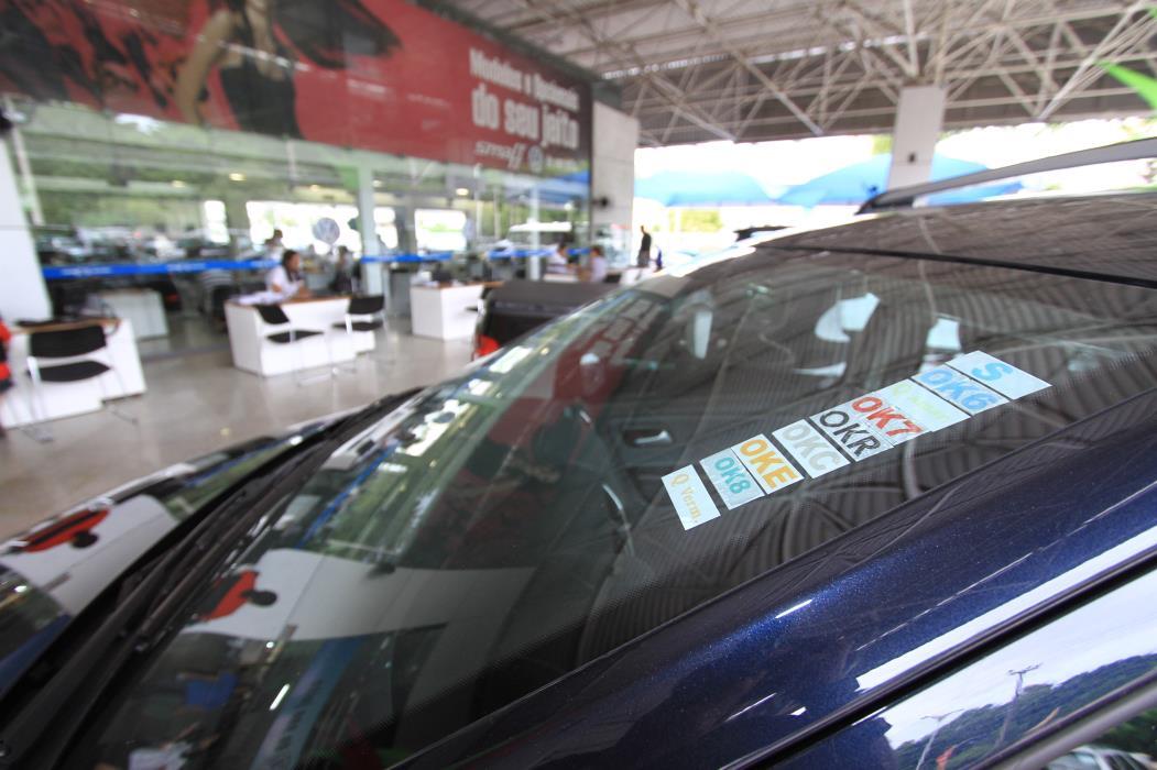60 mil novos veículos em Fortaleza Na foto: Concessionária de carros Foto: Jader Paes, em 10/03/2011