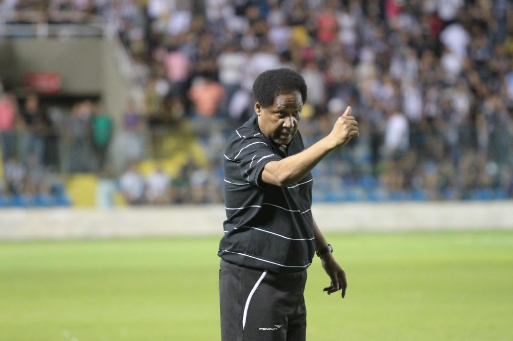 Lula Pereira é técnico há mais de 30 anos e passou pelo Ceará em 2012.