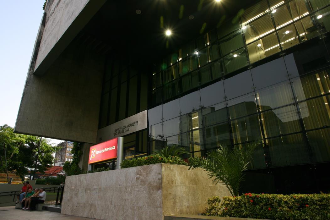Fachada do Banco do Nordeste (BNB) no Centro de Fortaleza  (Foto: FCO FONTENELE)