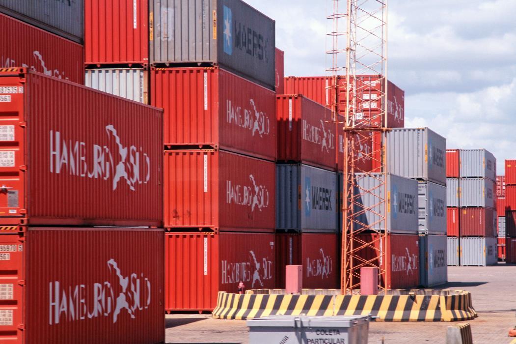 Visita ao porto do pecém. Na foto: Equipamentos do porto, navios, conteiners. Foto: Gabriel Gonçalves, em 30/06/2012