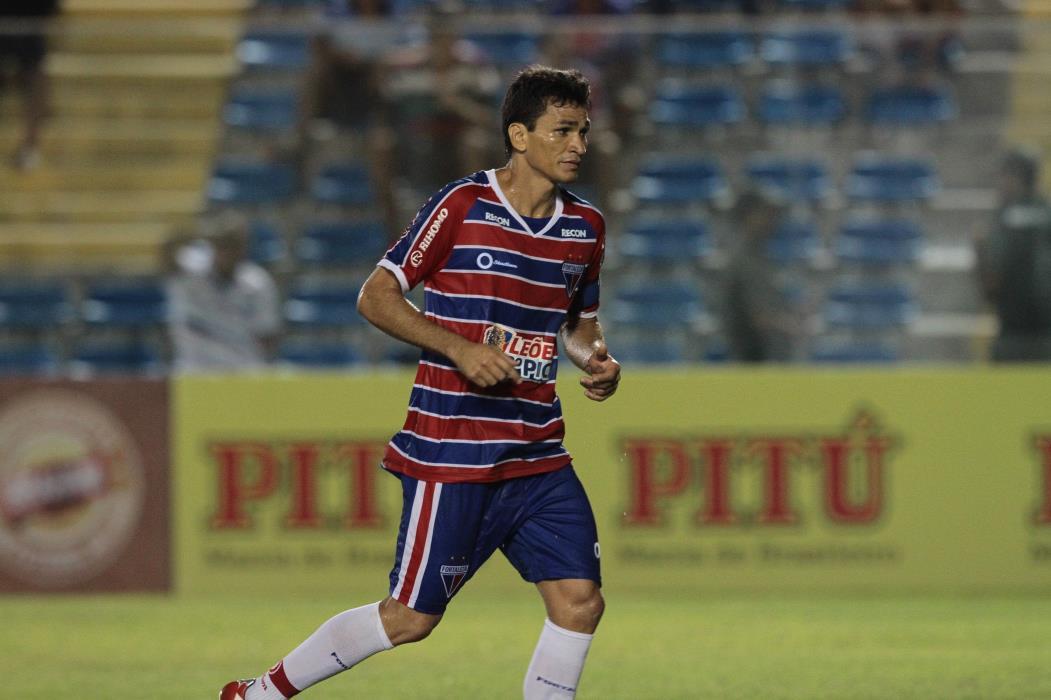 Ronaldo Angelim, na última passagem pelo Fortaleza, onde despontou para o Brasil e encerrou a carreira(Foto: GABRIEL GONÇALVES, em 24/01/2013)