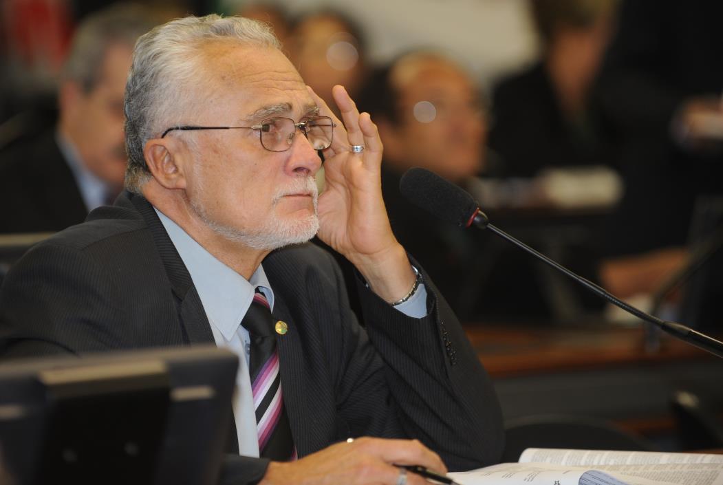 Brasília - José Genoino foi inocentado após ter sido preso no escândalo do Mensalão. (Foto: José Cruz)