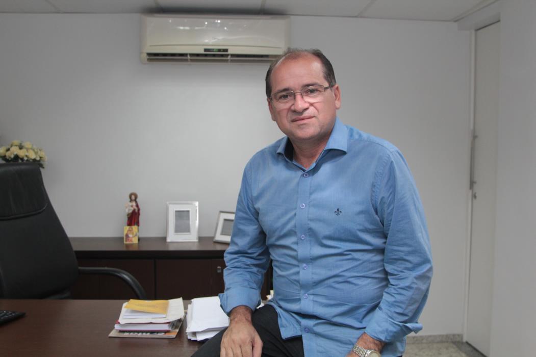 José Ailton Brasil, prefeito do Crato, se filiou recentemente ao PT (Foto: Divulgação/AL-CE)