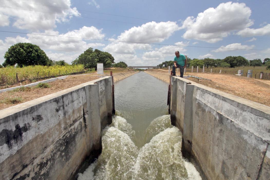 Canal do trabalhador, que abastece o açude de Pacajus, situado na localidade de Choro Mucambo no Município de Chorozinho. Situação hídrica da RMF (Região Metropolitana de Fortaleza. (Foto: Edimar Soares/O POVO)