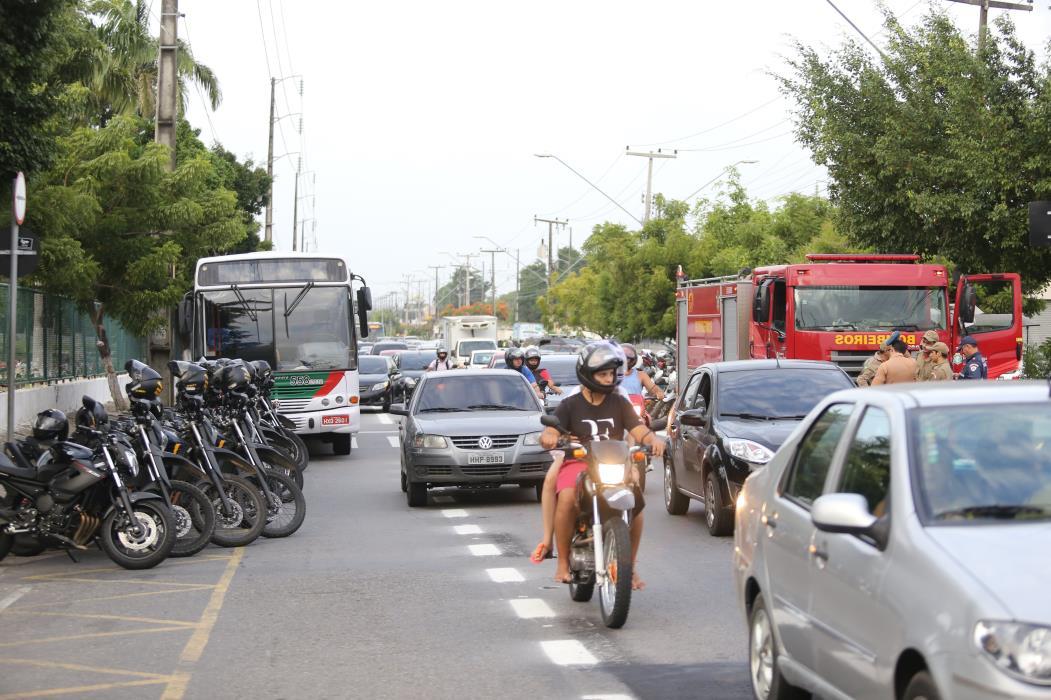 Mais sete avenidas  terão velocidade máxima reduzida para 50 km/h