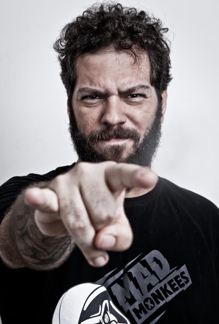 FORTALEZA, CE, BRASIL, 10-03-2016: Felipe Cazaux, cantor. Revista Fora de Casa. (Foto: Ethi Arcanjo/O POVO)
