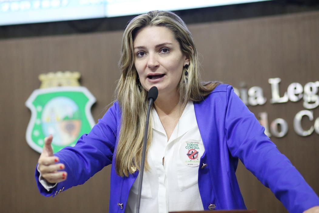 Deputada Augusta Brito (PCdoB) - (Foto: Maximo Moura/Assembléia Legislativa)