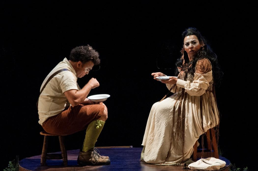 Cena da peça' Ogroleto', do grupo Pavilhão da Magnólia. O grupo teatral cearense foi um dos nove selecionados no edital do Itaú Cultural